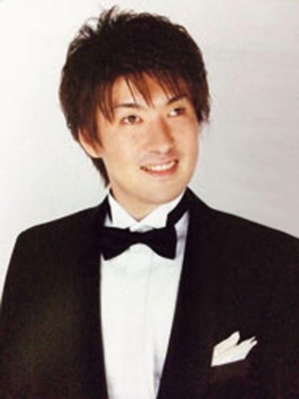盲目のバリトン歌手の濱田直哉氏。盲導犬の啓蒙活動も行う