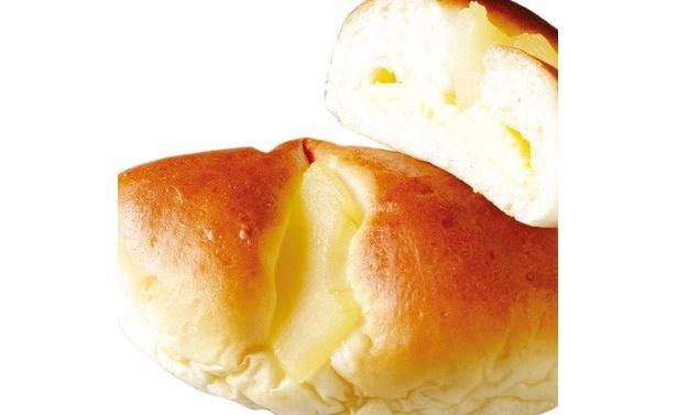 「どんぐりの里 いなぶ」(愛知県豊田市)の米粉を使用した「りんごカスタードパン」(1個130円)