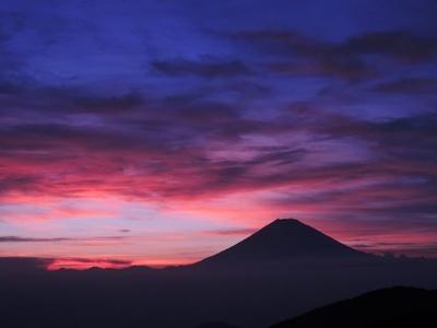 【写真を見る】駒ケ岳山頂からの富士山