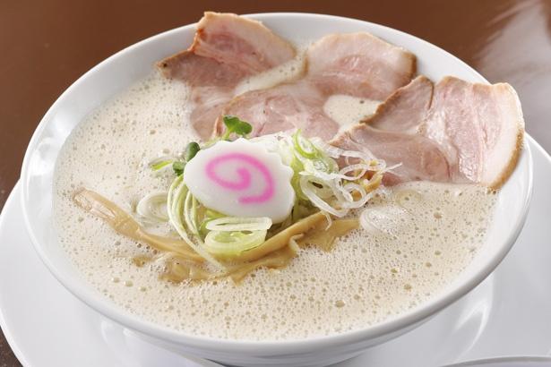 「鶏そば」(税込 780円) / 鶏そば 啜(すす)る(名古屋市中区)