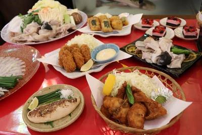 コースには、料理長おすすめの揚げ物料理や甘味まで付く