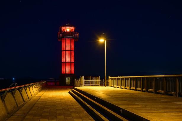 高松港玉藻防波堤灯台(香川県高松市)