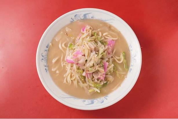 天天有 / 「チャンポン」(750円)。長時間炊いた濃厚なスープが特徴。餃子が付くセット(1000円)もある