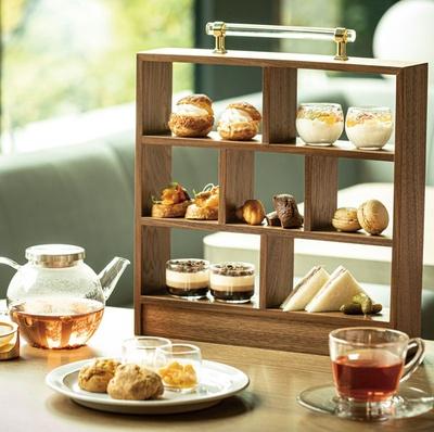 都ホテル 博多 / 「カフェ エンパシー」のアフタヌーンティー(1人2400円・写真は2人分)。厳選したコーヒー、フランスの紅茶などが90分間フリードリンクとなる