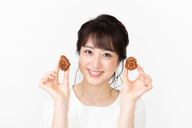 「このサイズのカステラ菓子は無意識に手と口が動いてしまいます。あんこなしの人形焼き(1袋600円(税込)・日曜限定販売)もあって、それと交互に食べるともうエンドレスです」