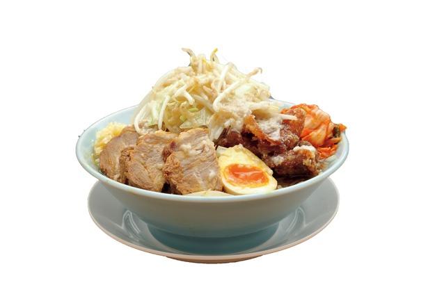 ピリ辛な味が食欲をそそる「まんてんらーめん・ 麺200g デラックス」(税込 900円)