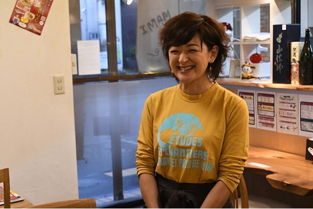 人気ラーメン店「トマト麺Vegie WEST」に佐藤麻美さんが来店!