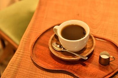コーヒー豆は日替わりの「本日の珈琲」(500円)。2杯目以降は300円