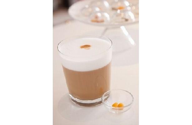 「Caffe/bar vita(ヴィタ)」のラテにはサプリが2個付くサービスも