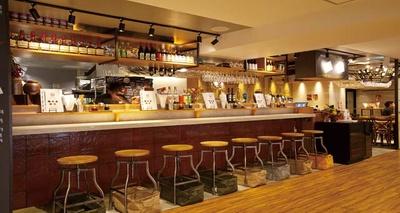 酒肴麺飯 アテニヨル / 一人でもふらっと立ち寄れる気軽な雰囲気