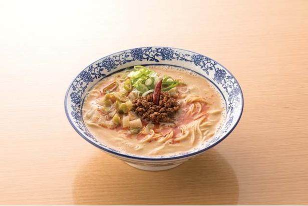 香港プラザ 高砂店 / 担担麺(500円)。自家製のザーサイと練りゴマが特徴。本店とは違った味わい