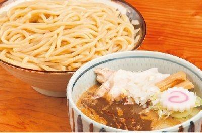 中盛りと同じ料金で、480gの大盛りが食べられる「朧月(おぼろづき)」(東京・銀座)の「濃厚つけ麺 中盛」(850円)