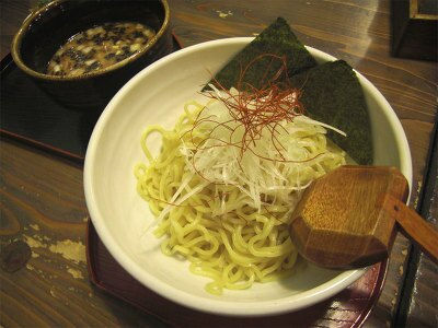 「麺処 白樺山荘」の濃厚魚介温つけ(950円)