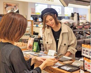 コーヒー月額3200円の定額制カフェの狙いは?話題の「サブスクリプション」を大阪と京都で検証