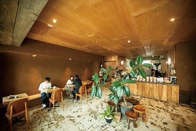 カフェ利用もできる「COFFEE COUNTY Kurume」の店内