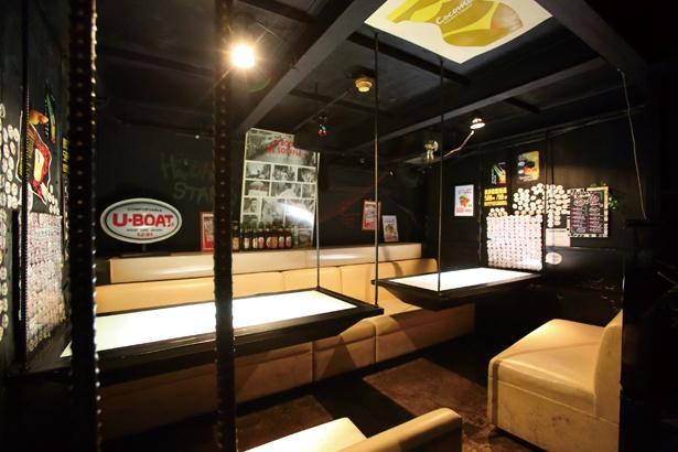 ゆったりと過ごせるBOX席も充実 / 洋風居酒屋ハツヒスタンド