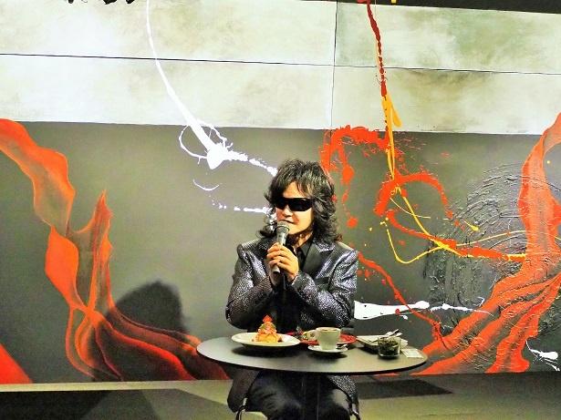 龍玄としが初の個展を大阪で開催! 期間限定スイーツもプロデュース ...