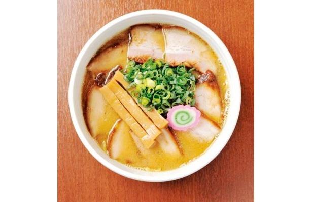 """麺屋 髙橋 肉味噌28号/豚バラ肉でダシをとり、通常の濃厚魚介スープを加えた一杯。""""昔の札幌ラーメンを彷彿とさせるラーメンを作りたかった""""という店主の思いが詰まっている"""