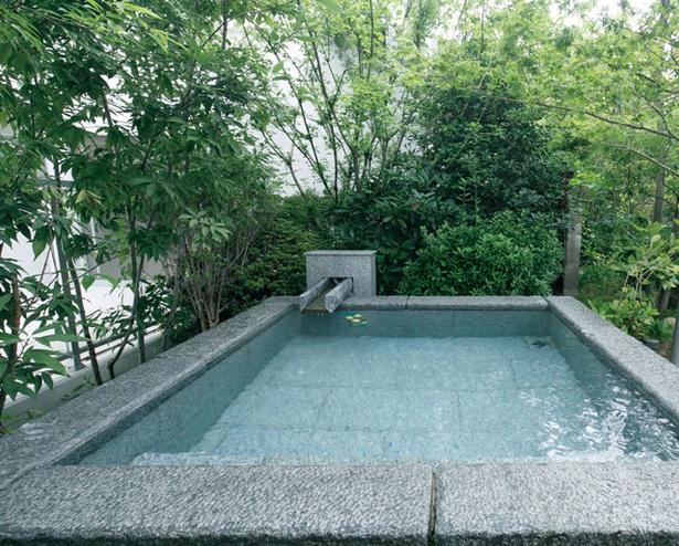 杜の湯リゾート / 熱めのお湯で発汗が促される「地獄泉」