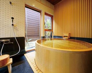 豪華な湯舟で至福の時間を味わえる!九州のラグジュアリーな貸切り湯2選