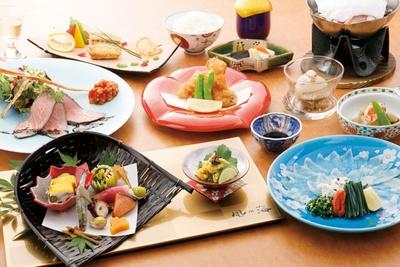 夕食は下関の旬の食材を生かした季節の会席料理 / 下関温泉 風の海