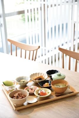ねむのき御膳(2200円)の料理イメージ。霧島の食材や季節の食材を使った料理を味わえる / 妙見温泉 ねむ