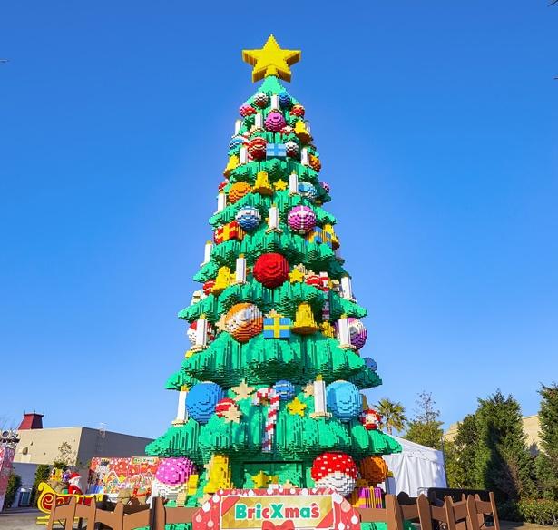 【写真を見る】約61万個のレゴ(R)ブロックを使用した、世界最大級のレゴ(R)クリスマスツリーに注目!※画像はイメージ