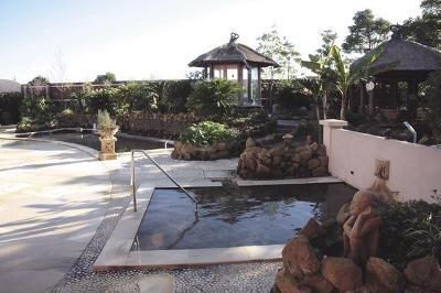 ヒーリングヴィラ印西/源泉かけ流しの「ゲンセン風呂」は湯温33度なので熱いのが苦手な人にも◎