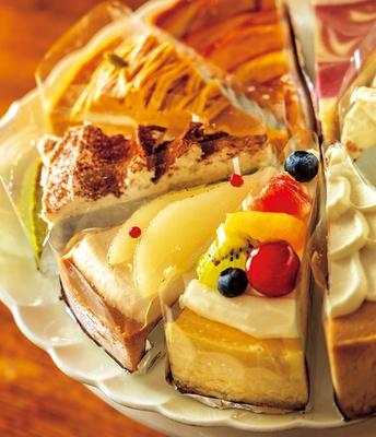 洋梨&キャラメルチーズケーキ、アップルハニーチーズケーキ(各550円)などの秋限定(~11月末)や、フルーツたっぷりのチーズケーキも/パパジョンズ 六角店