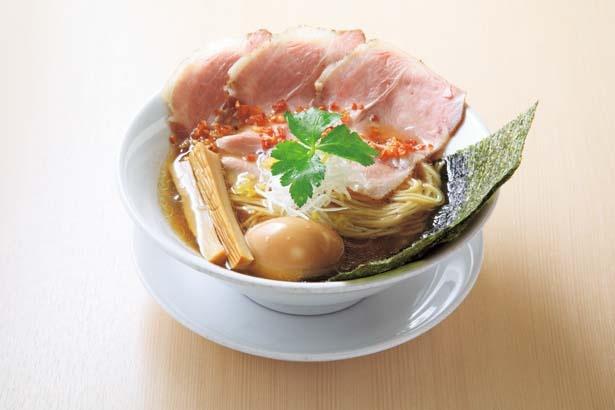 激戦区No.1行列店が大阪のグランプリ!貝を使ったスープが大好評の特製金色貝そば(1000円)/燃えよ 麺助