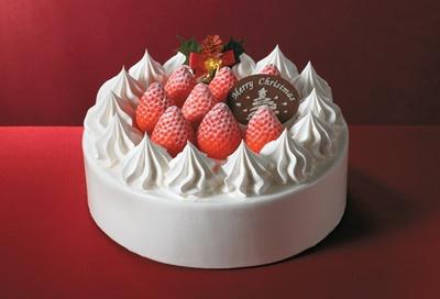 イチゴの甘酸っぱさが口いっぱいに広がる「ガトーフレーズ」(4号・税抜2700円、5号・税抜3500円、6号・税抜4000円)。スポンジの間にもスライスイチゴがサンドされている。写真は6号