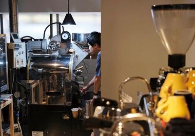 KUROMON COFFEE / バリスタとしての経験を焙煎にも落とし込む