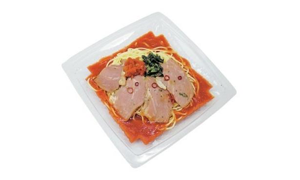 """トマトベースのサッパリ系も! 今年のコンビニではスープにこだわった冷やし麺が続々登場中! 早速お気に入りの""""スープ""""を見つけてみて!"""
