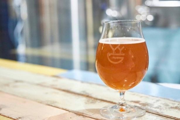 参加者はゲストスピーカーと共にクラフトビールの飲み比べをしながらオリジナルクラフトビールを作ることができる