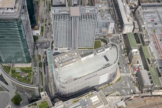 【写真を見る】「LINKS UMEDA」「ホテル阪急レスパイア大阪」、既存の「ヨドバシカメラ」が入る複合ビルを「ヨドバシ梅田タワー」と総称