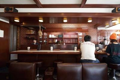 店内のインテリアは純喫茶時代のものを継承/喫茶ゾウ