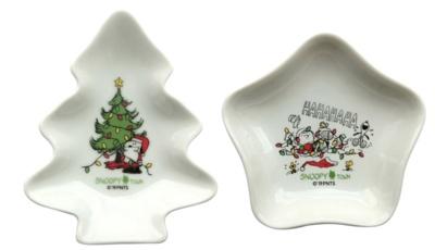 写真左から「ミニプレート ツリー」(950円※限定300枚)、「ミミニプレート スター」(950円※限定200枚)