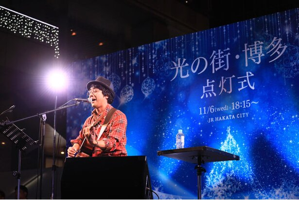山崎まさよしが新曲含め3曲を披露