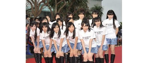 レッドカーペットに登場したNMB48のメンバー