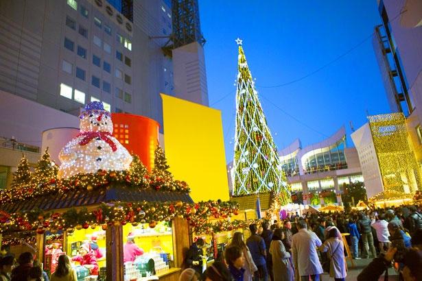「ドイツ・クリスマスマーケット大阪 2019」では、グルメや工芸品が販売され、本場ドイツさながらの雰囲気