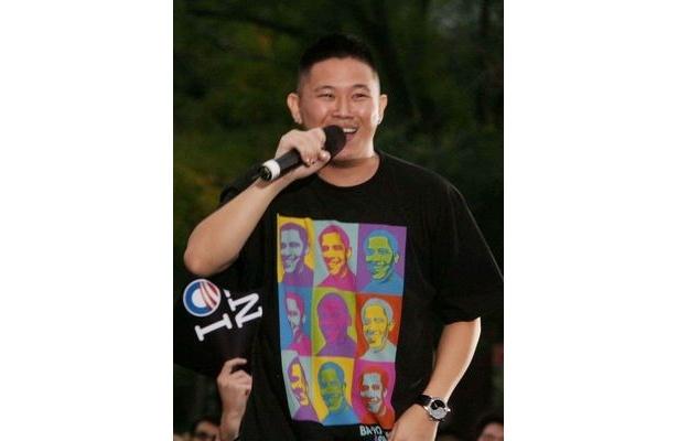 チャリティーソング「Succumb Not To Sorrow」には中国系アメリカ人のラッパー、Jinなども参加しているという