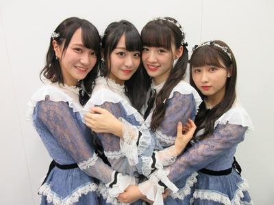 「=LOVE」の左から野口衣織・瀧脇笙古・音嶋莉沙・山本杏奈