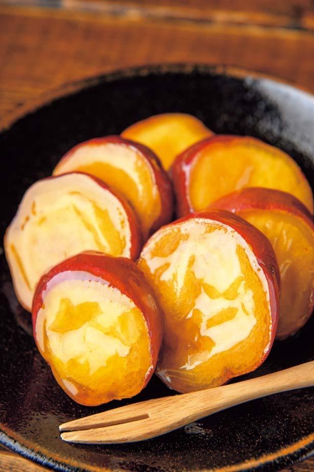 ポテト大学(560円)。2回素揚げをしたサツマイモに芋蜜とアメを絡めた定番商品。カリホク食感にやみつき!/蜜香屋 中崎町本店