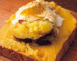 おいもをたっぷり塗ったトーストに秋でも食べたいかき氷も!関西のおいもスイーツ4選