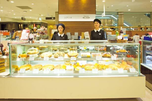 ジェイアール京都伊勢丹地下1階で、四季折々の素材を使った評判のタルトを約10種販売/JOUIR