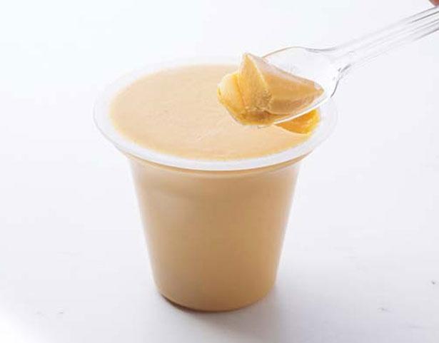 コクとろ安納芋のなめらかプリン(240円)。安納芋を使った口当たりのいいプリンは、サツマイモの風味とカスタードの甘さのバランスがグッド/らぽっぽ ファーム 大阪ミナミ店