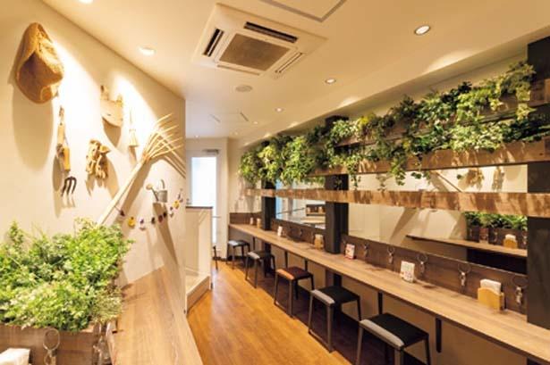 1階で購入した商品を2、3階のイートインスペースでゆっくりと楽しめる/らぽっぽ ファーム 大阪ミナミ店