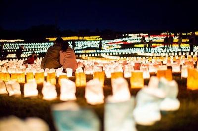 日本最大級の光の地上絵と冬の夜空を彩る花火に感動 / 海の中道海浜公園