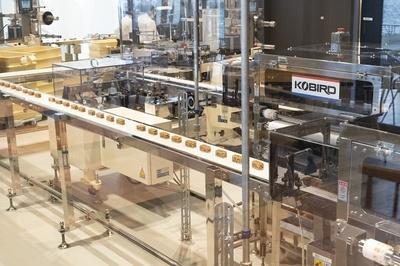 クルミッ子の製造工程が見学できるのは全国でもここだけ