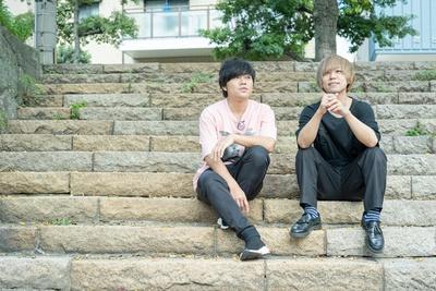 ニューアルバムについて語る、寺中友将(Vo&Gt)と首藤義勝(Vo&Ba)